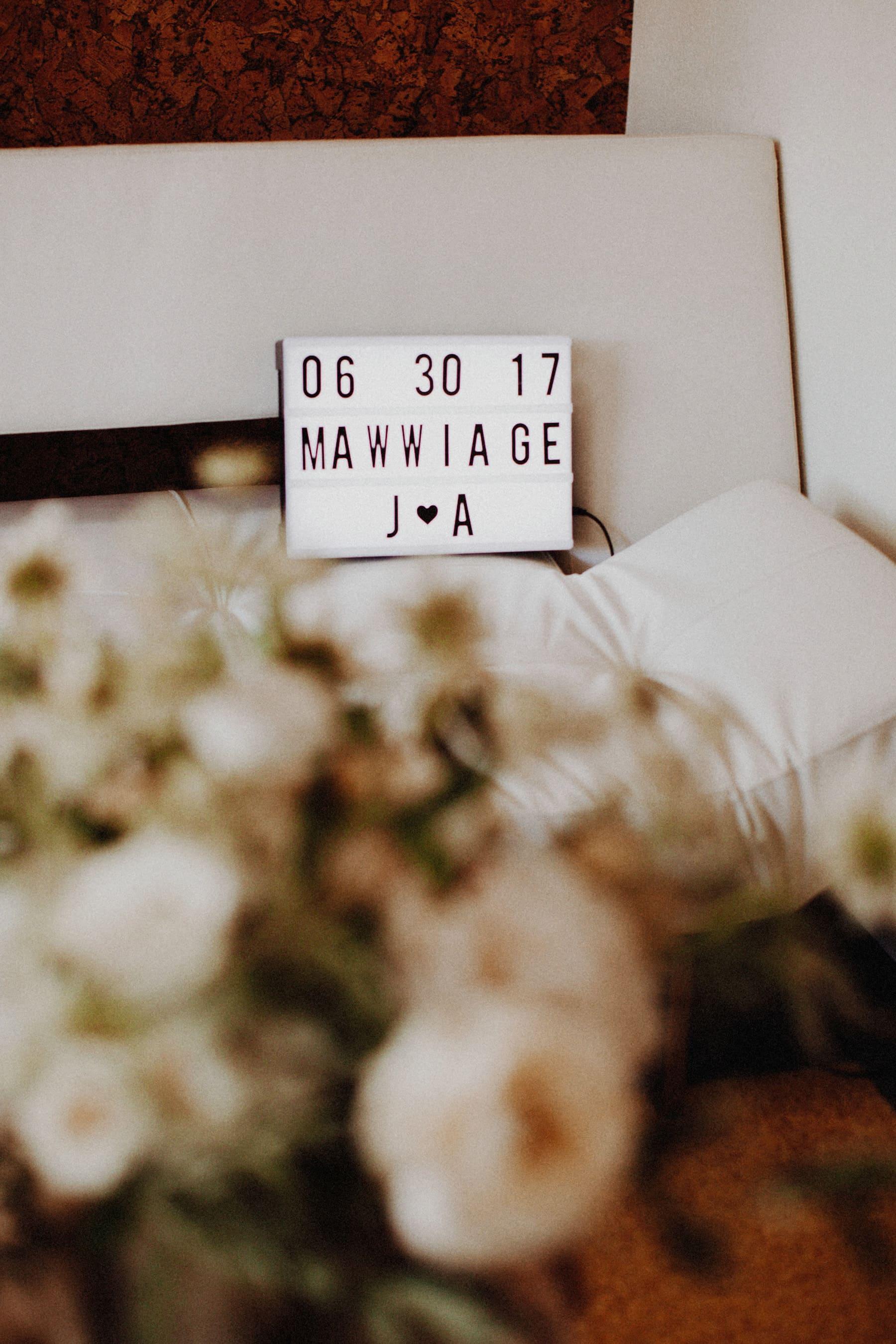 wedding bouquet and wedding invitation