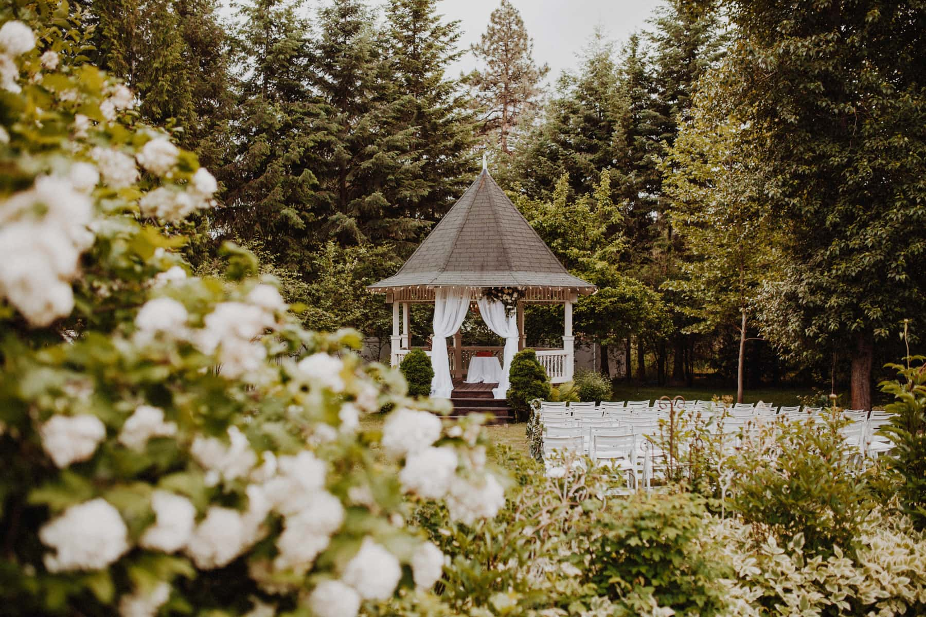 Portland garden wedding for Portland spring home and garden show 2017