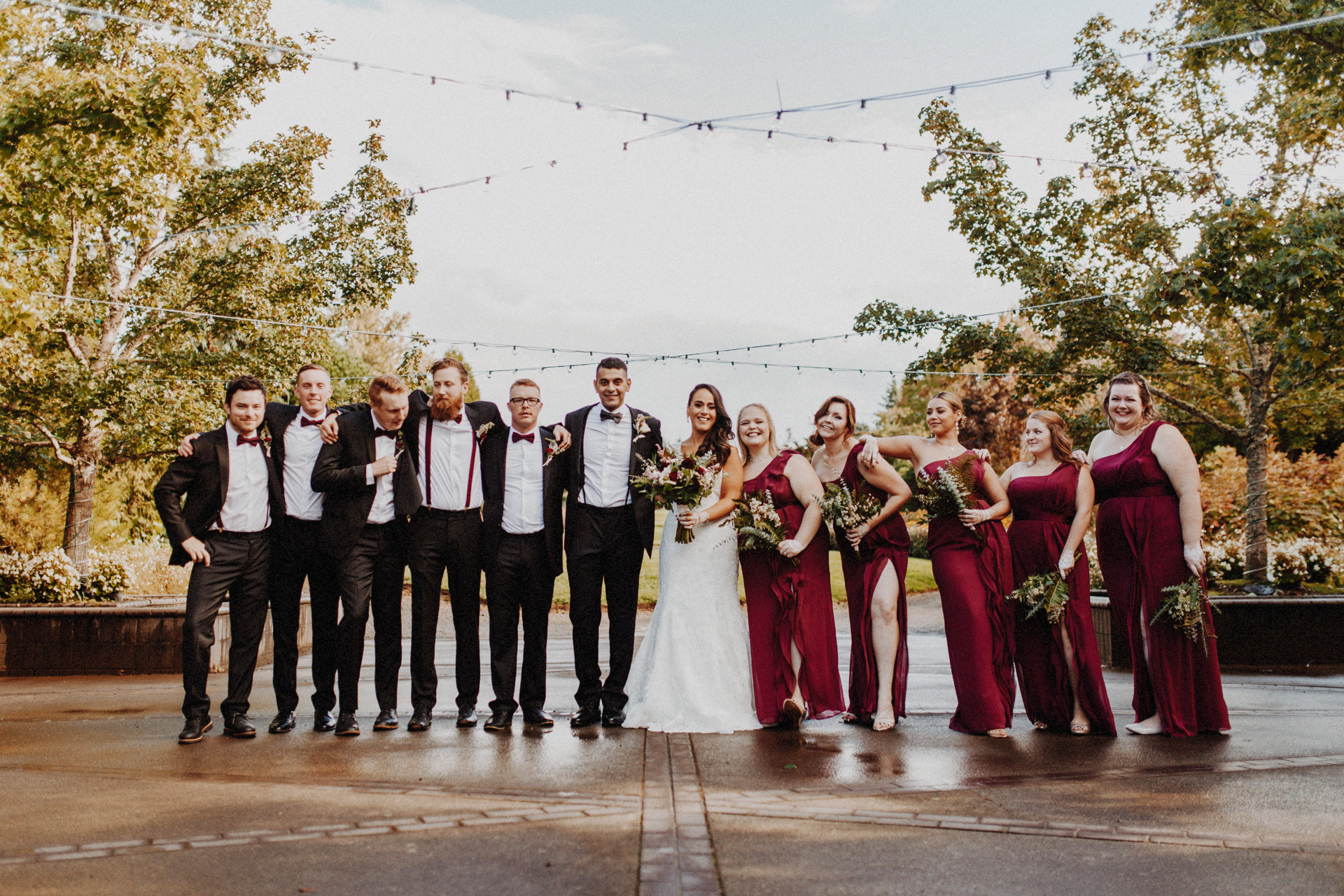 The bridal party at the Oregon Garden Resort Wedding