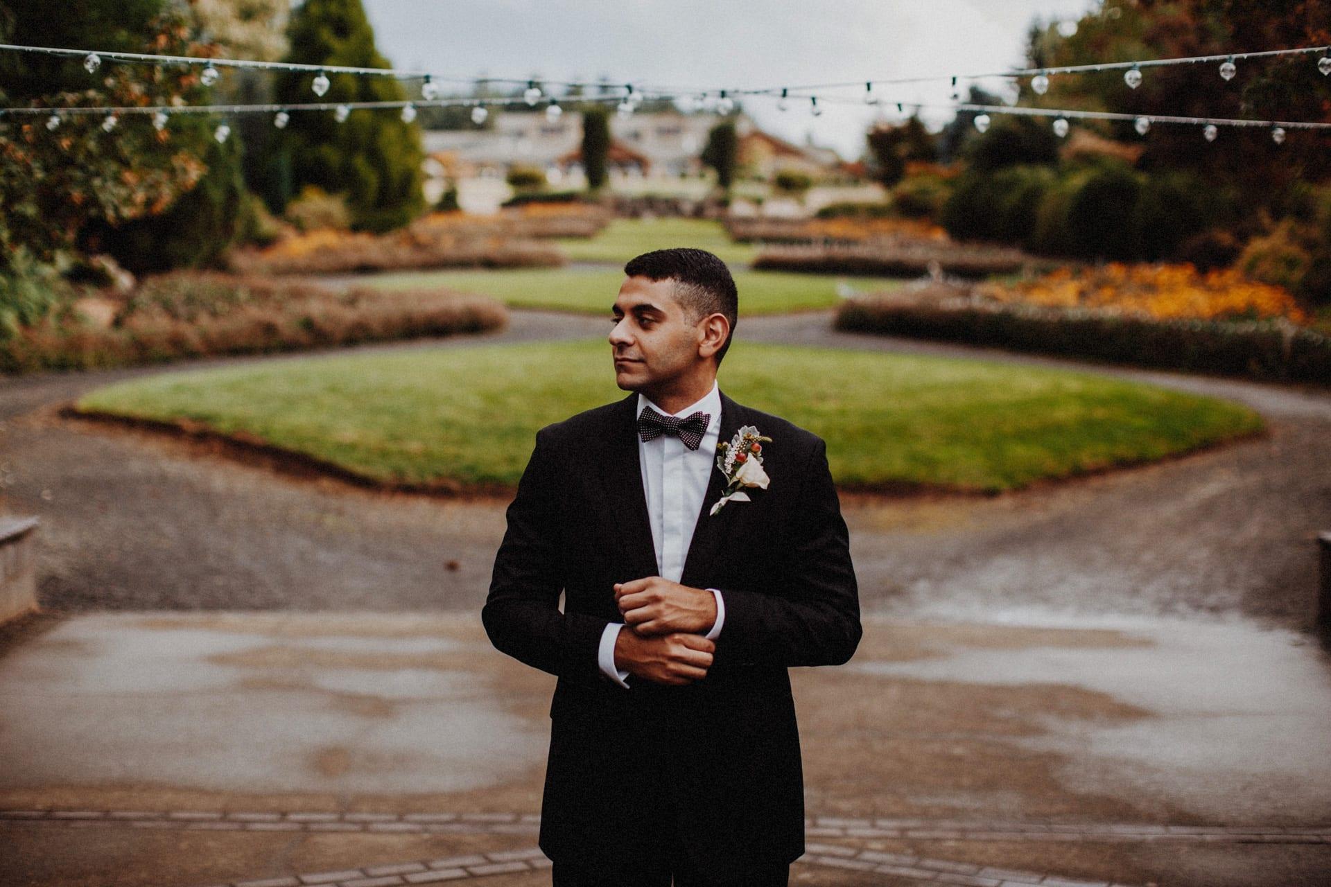 a groom before his oregon garden resort wedding