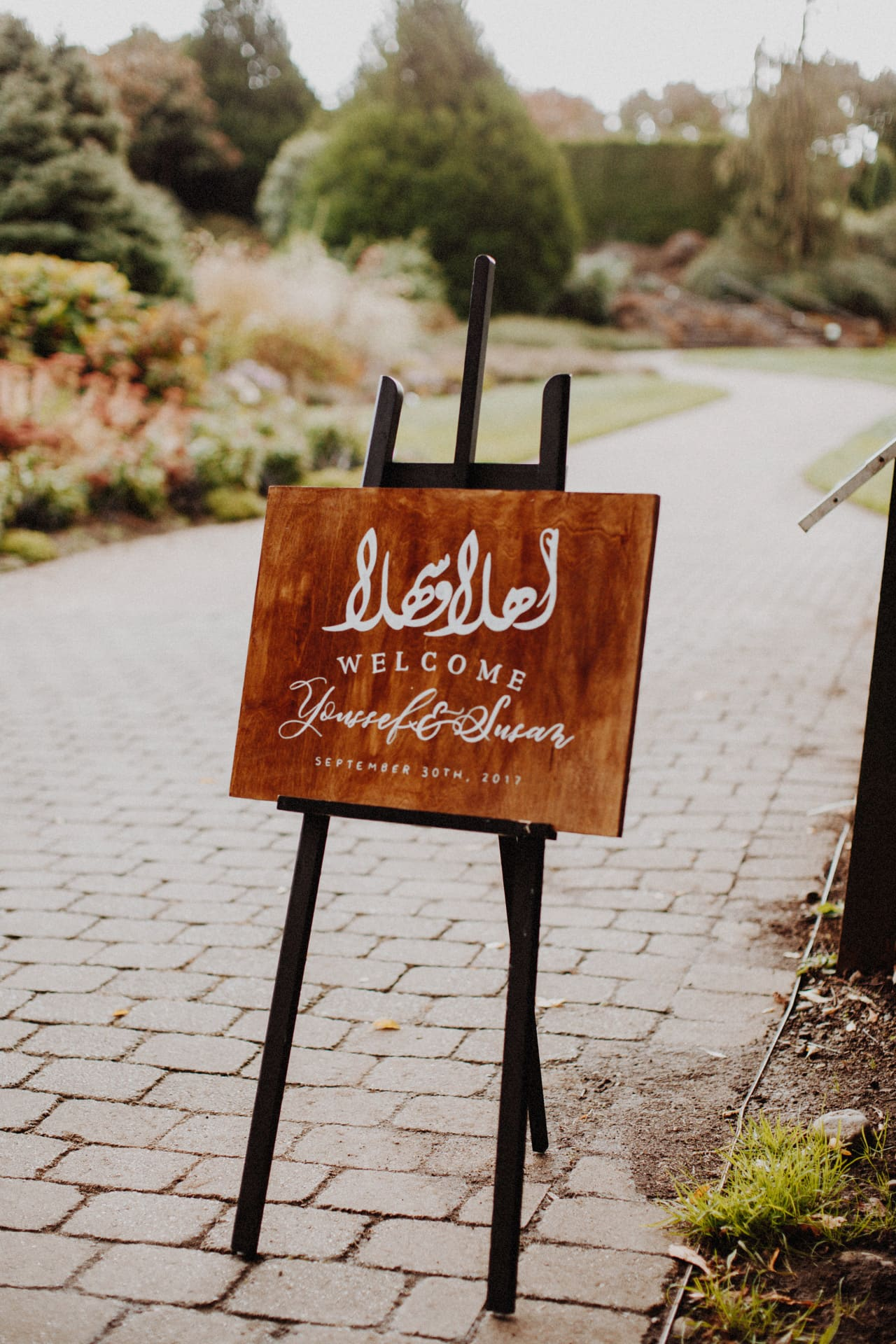 a welcome sign at the Oregon garden resort