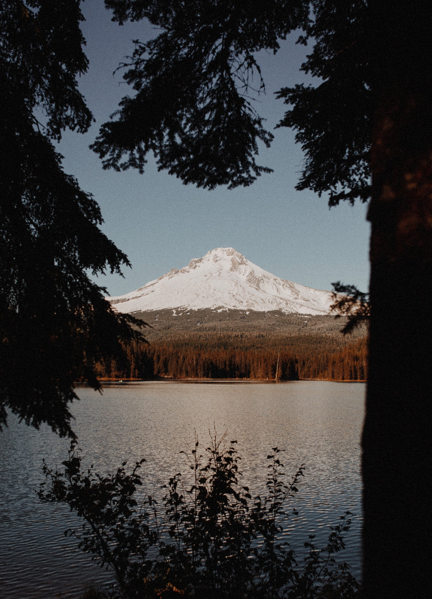 View of Trillium Lake and Mount Hood